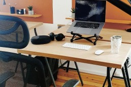 ergonomic-chair-desk